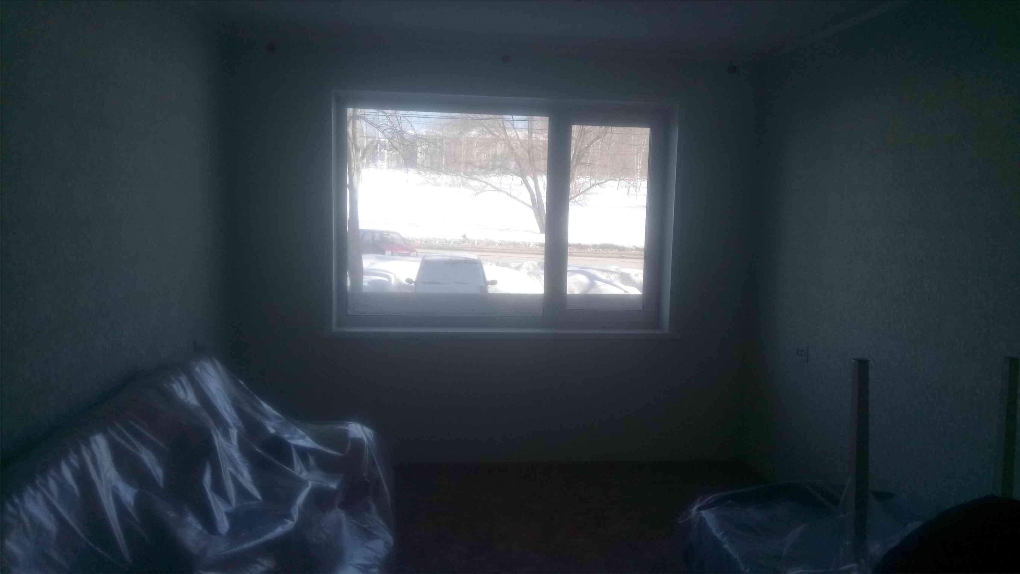 фотография демонтажа оконного блока