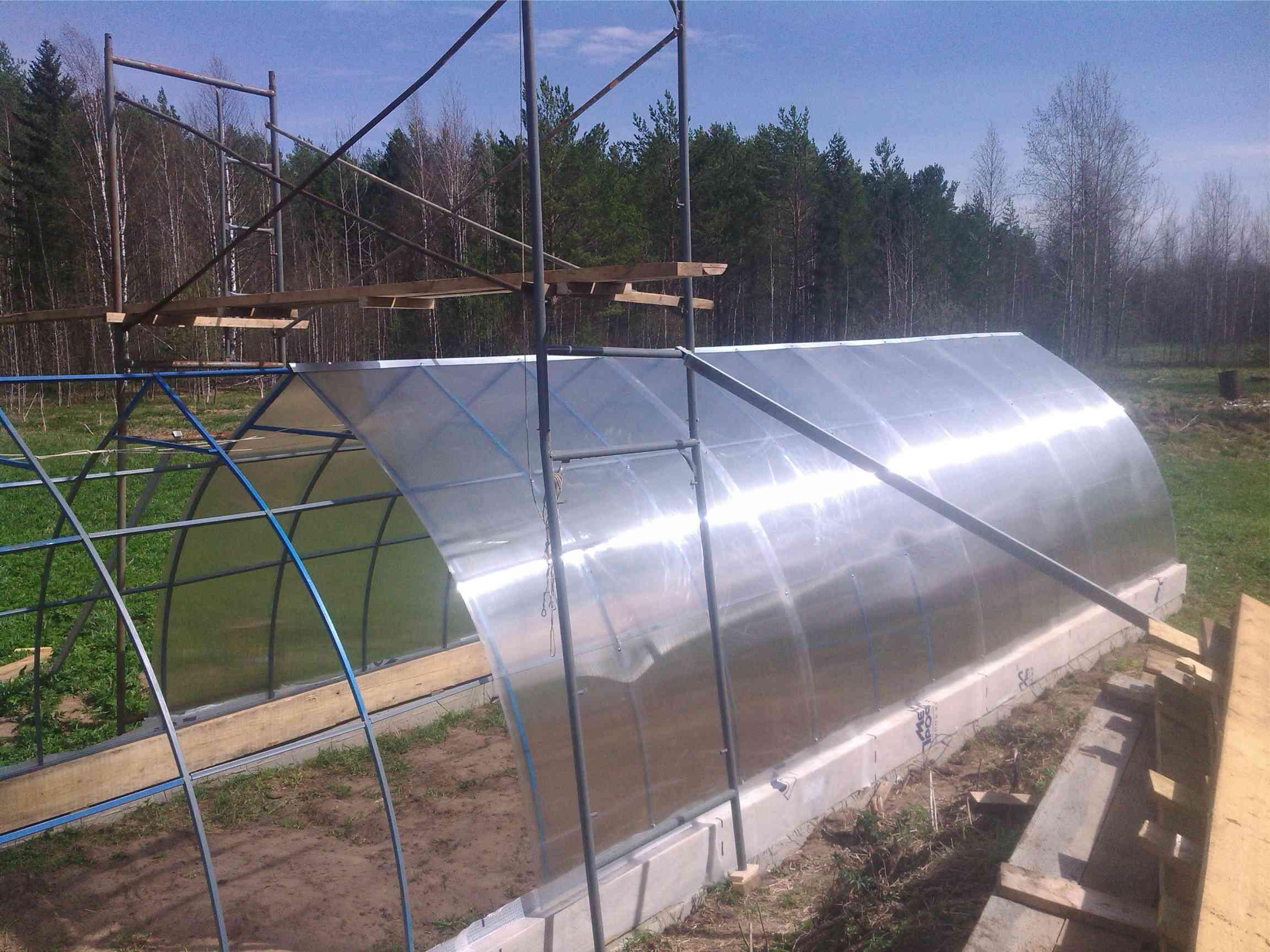 Установка теплиц Монтаж теплиц из сотового поликарбоната