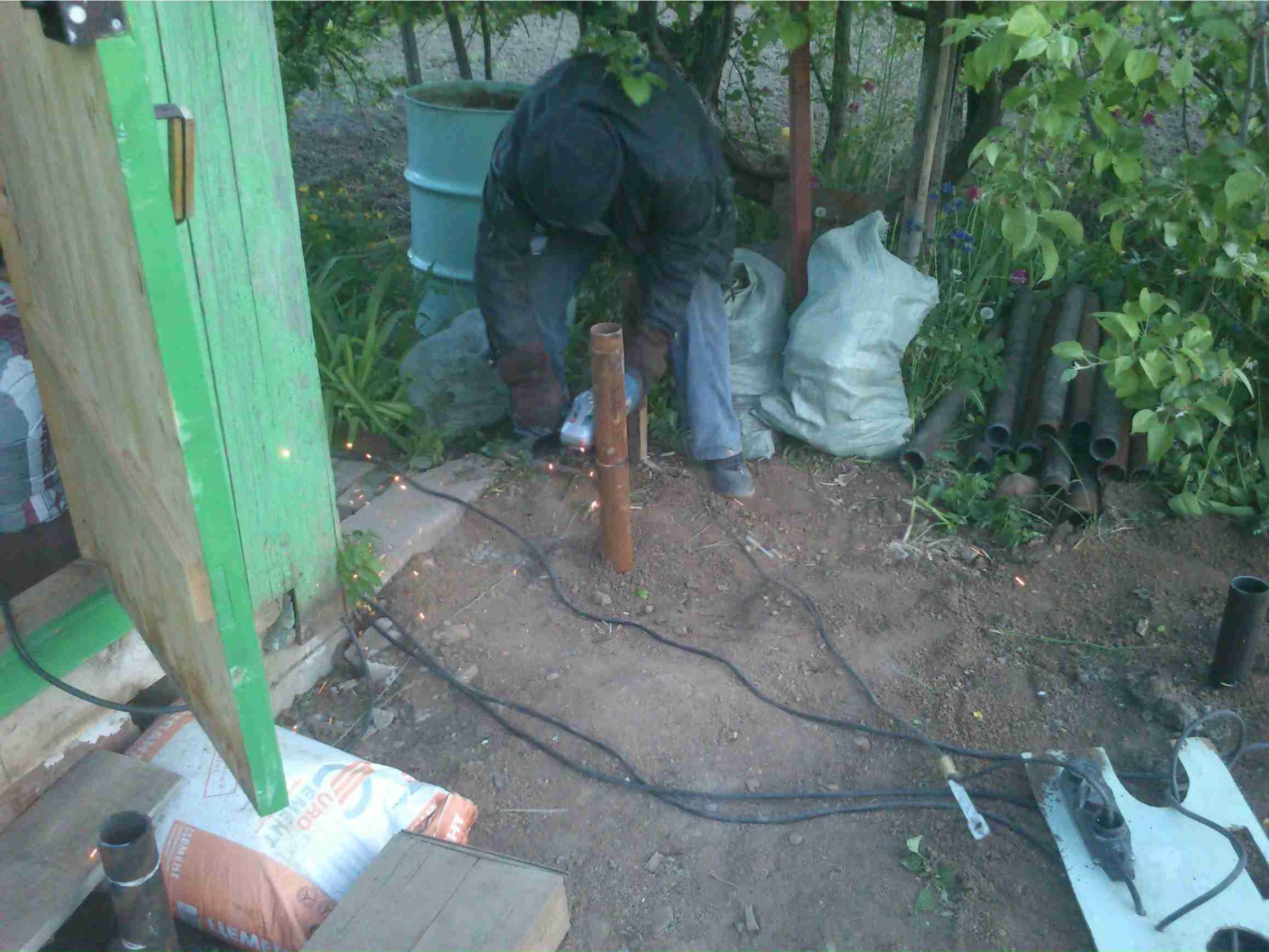Строительство веранды на сваях